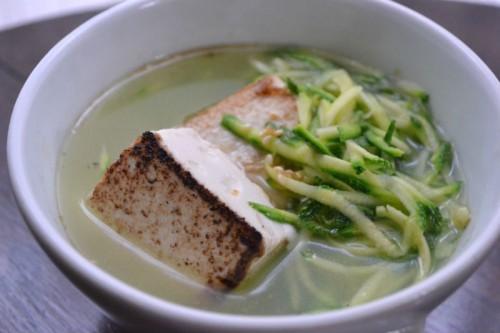 ズッキーニと豆腐のスープ