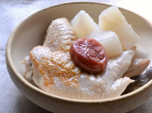 鶏手羽と三浦大根の梅煮